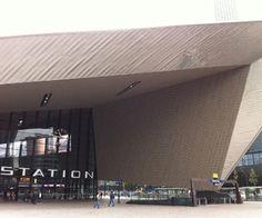 Foto gemaakt door: Julia Nobel, Rotterdam 2015. Hoofdingang Rotterdam CS. (Architectenbureau Team CS)
