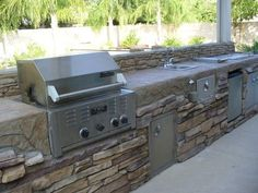 outdoor kitchen, just add a pizza oven...