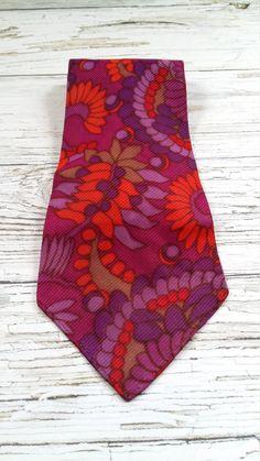 Vintage fabulously funky 1970s mens  floral necktie. by Diamondsshabbychic on Etsy