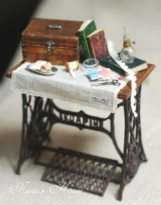 Miniature sewing table by Nunu's House