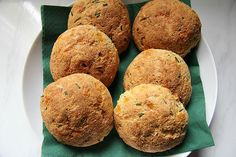 Cheese chive bread rolls that are low carb bread yet taste and look like the real thing. Chicken Recipes No Dairy, Bread Recipes, Soup Recipes, Snack Recipes, Keto Snacks, Best Keto Bread, Low Carb Bread, Coconut Flour Bread, Keto Biscuits