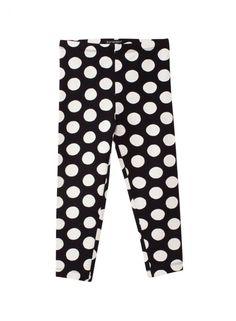 Pilkkupyörremyrsky. Yhdistele pirteisiin Piiri 2 -leggingseihin erilaisia paitoja, mekkoja ja hameita. Vartalonmyötäisissä leggingseissä on pehmeä joustava vyötärönauha. Neulos 95 % puuvillaa, 5 % elastaania.