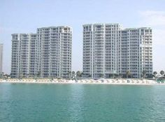 Silver Beach Towers in Destin as low as $215 a night! #vacation #deal #beach