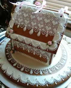 Gingerbread house decorated in lacy hearts and roses by Teri Pringle Wood Gingerbread House Designs, Christmas Gingerbread House, Gingerbread Man, Gingerbread Cookies, Christmas Cookies, Ginger House, Cupcake Cakes, Cupcakes, Cookie House