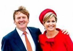"""24-Jun-2014 5:59 - EERSTE STAATSBEZOEK VOOR POLEN. Koning Willem-Alexander en koningin Máxima komen vanochtend aan in Warschau voor hun eerste officiële staatsbezoek. Dat Polen deze eer te beurt valt, kwam in eerste instantie als een verrassing. """"De koning had aangegeven dat hij naar verre landen zou gaan, waar voor Nederland nog veel economische winst te behalen zou zijn"""", zegt NOS-Koningshuisverslaggever Kysia Hekster. """"Maar dat geldt ongetwijfeld ook voor Polen, waar het economisch..."""