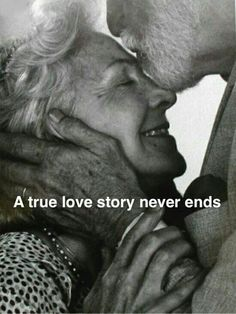 Old couples are so cute! hungryincle Old couples are so cute! Old couples are so cute! Vieux Couples, Old Couples, Elderly Couples, Mature Couples, Sweet Couples, Happy Couples, Married Couples, True Love Couples, Old Love
