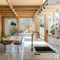 London's best new house extensions revealed in Don't Move, Improve! 2018 shortlist A timber-lined loft renovation and a triangular room feature among the 30 projects shortlisted in a competition to find London's best home extensions Retro Home Decor, Home Decor Kitchen, Cheap Home Decor, Kitchen Interior, Modern Interior, Home Interior Design, Interior Architecture, Home Kitchens, Küchen Design