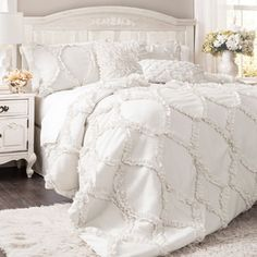 Shop for Lush Decor Avon Ruffled White 3-piece Comforter Set. Get free shipping at Overstock.com - Your Online Fashion Bedding Outlet Store! Get 5% in rewards with Club O! - 16349516