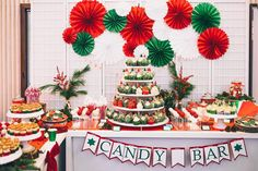 Liebe Grüße zum Nikolaustag und eine schöne Adventszeit wünscht mundus . #mundushannover #fineartbakery #handmade #candybar #christmas #cupcakes #cakepops #cookies #instabakery #hannover #sweets #sweettable #christmas2016 #christmastime #party  Foto: @martinwehrmann