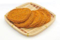 【徳島県 フィッシュカツ】徳島県民がこよなく愛する「フィッシュカツ」。新鮮な魚のすり身に唐辛子やカレー粉などの香辛料を入れ、パン粉をまぶして揚げた練り製品です。スーパーやコンビニでも売られている徳島県民のソウルフードで、珍しいということでお土産としても好評を得ています。 http://www.awanavi.jp/spot/2013032700914/ #Tokushima_Japan #Setouchi