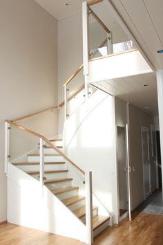 porraskuva portaat kaiteet lasikaide valkoinen westwood askelma » Westwood Oy