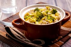 Even if you're not a vegan or if you don't suffer from any of the aforementioned conditions, this is a wonderful recipe to enrich your diet with these delightful tastes and health benefits. Delicious Dinner Recipes, Lunch Recipes, Healthy Gluten Free Recipes, Vegetarian Recipes, Brown Rice Pilaf, Wonderful Recipe, Healthy Eating, Health Benefits, Diet