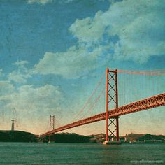 """Lisbon Postcards: estes postais são um """"abanão"""" nos clichés de Lisboa"""