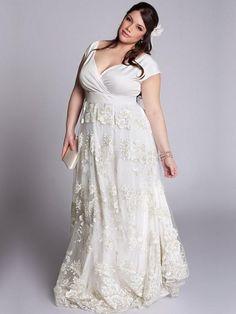 c3ab82c3a5222 Simple yet elegant plus size wedding dress. Perfect for casual wedding.