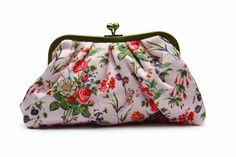 The Vintage Cosmetic Floral Cosmetic Clutch Bag The Vintage Cosmetic Company http://www.amazon.co.uk/dp/B00BBXR634/ref=cm_sw_r_pi_dp_XUF6ub0H6XRQE