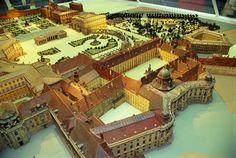 Modell der Wiener Hofburg - http://www.hofburg-wien.at/wissenswertes/kaiserappartements/rundgang-durch-die-kaiserappartements/kaiserstiege.html