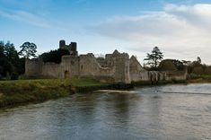Visitez le Ardare Castle en Irlande...   #ardarecastle #ardare #ireland #irlande   © Tourism Ireland Connemara, Beaux Villages, Ireland Vacation, Vacation Packages, Countryside, Monument Valley, Irish, Tourism Ireland, Travel