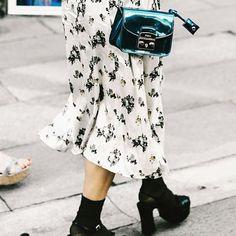 Nuevo post: Te enseñamos las 8 tendencias máspara esta primavera. Link en bioNo te lo pierdas!  #influencer #itgirl #fashioninfluencer #fashionstyle #fashionblogger #fashion #moda #fashionblogger #fashionblog #consejosdemoda #tendencias #primavera #spring #bitrendy