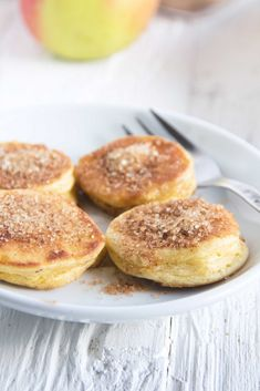 Apple fritters - the whole house smells- Apfelküchlein – es duftet im ganzen Haus Apple love with apple pie - Summer Recipes, Fall Recipes, Summer Desserts, Italy Food, Apple Fritters, Sweet Bread, Meat Recipes, Food Network Recipes, Smoothie Recipes