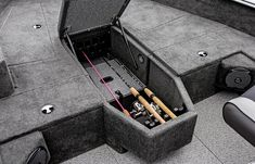 boats-pro-guide-features-rod-storage.jpg (1340×862)