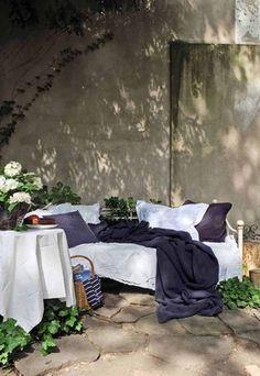 20 stilvolle ideen f r sitzecke im freien bequemer sitzplatz im garten sitzecke im freien. Black Bedroom Furniture Sets. Home Design Ideas