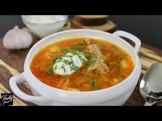 Cabbage Soup, A Tasty Family Recipe! They ate the whole pan in one go! Russian Recipes, Russian Foods, Russian Pastries, Borscht Soup, Famous Drinks, Appetizer Plates, Cabbage Soup, Seafood Dishes, Russian Cuisine