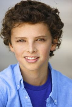 jackie radinsky - Google Search Elizabeth Gillies, Beautiful Boys, Favorite Tv Shows, Character Inspiration, Celebs, Google Search, Children, Kids, Style