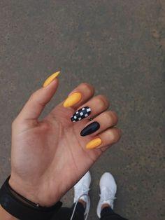 We offer the best tools to get these great designs in our website nail nails manicure naildesign nailideas nailart nailpolish naildesigns nailartdesign nailartdesigns Gel Nails, Nail Polish, Coffin Nails, Nail Nail, Pointy Nails, Yellow Nail Art, Acrylic Nails Yellow, Yellow Nails Design, Finger