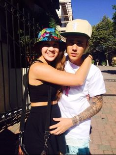 Video: Justin Bieber Meets Fans In Los Angeles, California