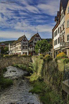 Bad Münstereifel, een leuk plaatsje in de Eifel! German Architecture, Beautiful Architecture, Germany Europe, Germany Travel, World Cities, Countries Of The World, Weekend Trips, Day Trips, Beautiful World