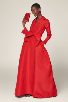 RED Cache-coeur taffeta shirt dress - View All CH Carolina Herrera Vestidos Carolina Herrera, Ch Carolina Herrera, Look Chic, Mode Outfits, Flare Skirt, Dress Collection, Lady In Red, Evening Dresses, Wrap Dress