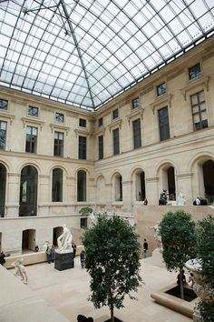 Everything to see and do in Paris as a First Timer - now up on shershegoes.com