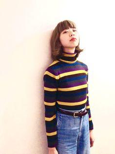 70′sな雰囲気に仕上がるマルチボーダーニットはロープライスで有名のあのブランド。 - NYLONブログ(ファッション・ビューティ・カルチャー情報)
