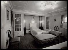 Vizita lui George VI al Marii Britanii în Canada, mai 1939. Dormitorul Reginei Elisabeta (Regina mamă) la bordul navei Împărăteasa Australiei.