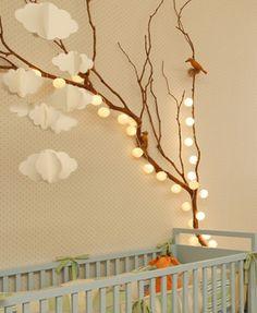 Os sets de luminárias ficam lindos em qualquer ambiente e destacam cantinhos esquecidos. Com um preguinho, gancho ou fita dupla face você pode deixar sua casa mais colorida, iluminada e aconchegante!
