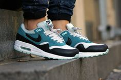NIKE WMNS AIR MAX 1 (FALL OVERKILL DELIVERY) | Sneaker Freaker