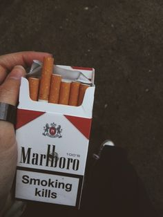 Marlboro #cigarette  smoking kills