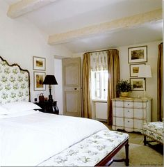 Design Legend: Nicky Haslam - The Glam Pad Classic Home Decor, Interior, Dreamy Bedroom Inspiration, Bedroom Inspirations, Elegant Living, English Interior Design, Interior Design, Beautiful Living Rooms, Classic House