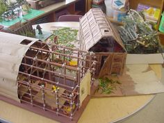 how to make a longhouse for school project Social Studies Projects, 6th Grade Social Studies, Social Projects, Teaching Social Studies, School Projects, Native American Projects, Native American Art, Native American Longhouse, North American Tribes