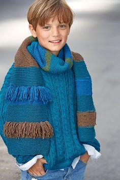 Lana Grossa Strickmodelle - Modell Paket SCHAL Cool Wool Big Melange (Modell 25, FILATI Kids No. 8) - Du hast vollkommen recht: wer gut ausschaut kommt immer gut an. Das gilt für dich und deinen Strickpullover, der einfach ein Traum ist. Toller Petrol-Ton, klassischer Zopfmuster-Stil, entspannter Schnitt, zu dem du als 'Krönung der Lässigkeit' einen Schal mit Blockstreifen und eingeknüpften Fransen trägst. Perfekt!18 x 140 cm, B x L - jetzt online bestellen im LANA GROSSA Shop FILATI. Summer Pictures, New Pictures, Orange Braun, Kind Mode, New Day, Boy Or Girl, Turtle Neck, Wool, Cool Stuff