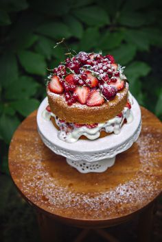 Victoria Sponge with Goat Cheese filling