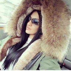 Fox Fur Jacket, Fox Fur Coat, Hooded Jacket, Fur Fashion, Womens Fashion, Great Women, Jackett, Fur Jackets, Winter Outfits