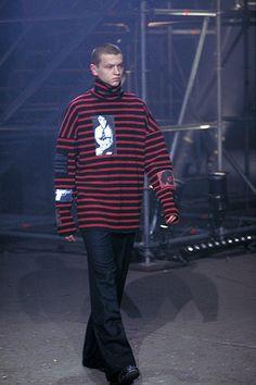 Raf Simons Fall 2001 Menswear Collection Photos - Vogue