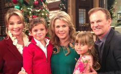 Days Roman and Marlena with their daughter Sami and her 2 outta 4 kids Johnny and Sydney Dimera. Missing is Will and Alli