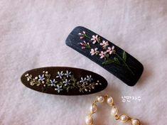 자수 머리핀 : 네이버 블로그 Lazy Daisy Stitch, Ribbon Hair Bows, Embroidery Thread, Diy Clothes, Hair Pins, Diy Jewelry, Stitch Patterns, Needlework, Cool Hairstyles