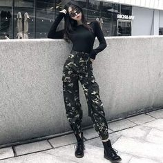 Look at this Trendy korean street fashion You can find Korean street fashion and more on our website.Look at this Trendy korean street fashion Hipster Outfits, Kpop Outfits, Edgy Outfits, Korean Outfits, Mode Outfits, Grunge Outfits, Grunge Fashion, Look Fashion, Girl Fashion
