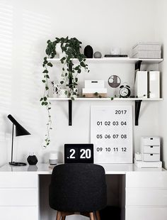 Desk Organization Updates - Homey Oh My, SOHO Home Office, Study Room ideas @homeyohmy via @sunjayjk #soho #homeoffice #studyroom #worktable #study #desk