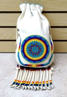 VERY LARGE HANDCRAFTED STAR DES.BEADED BUCKSKIN NATIVE AMERICAN INDIAN 1