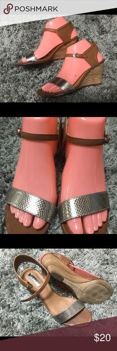 Halogen wedge heel sandals Sz 7.5 Halogen wedge heel sandals Sz 7.5 brown and silver gold toe strap. LIKE NEW!!! Halogen Shoes Sandals