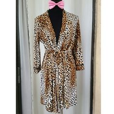Leopard Print Robe by Studio Donatella Sexy yet elegant animal print robe.  SMALL/MEDIUM Studio Donatella Intimates & Sleepwear Robes